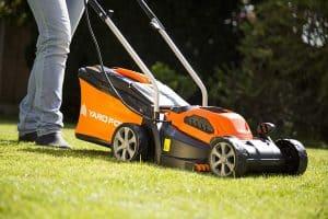 Yard Force 32cm Cordless Mower