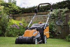 Yard Force 34cm Cordless Mower Review