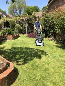 Tips to cutting your lawn