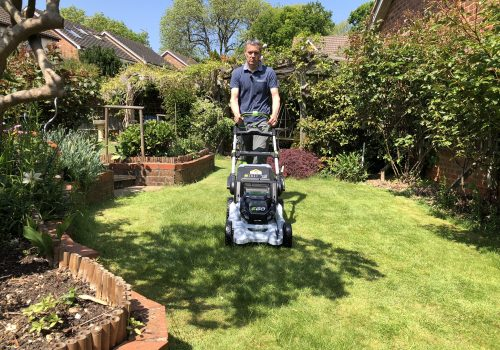 What To Consider When Buying A Cordless Lawn Mower