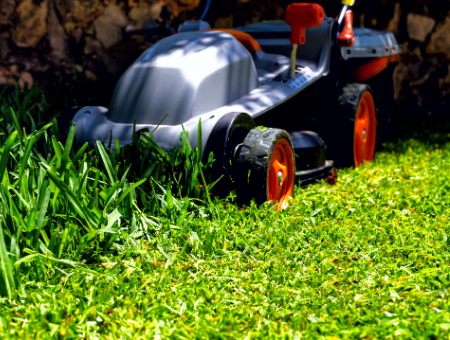 What Features To Consider With Electric Mowers For Medium Sized Lawns