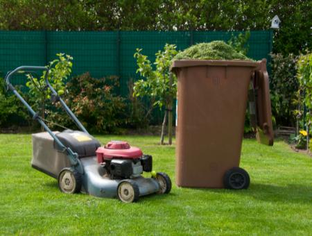 Why Should You Buy a Petrol Mower for a Medium Sized Lawn